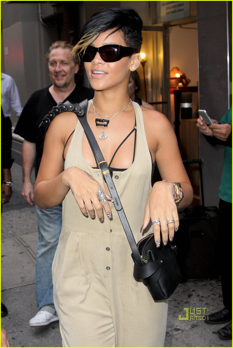 rihanna fleet ilya armored shoulder handbag 10