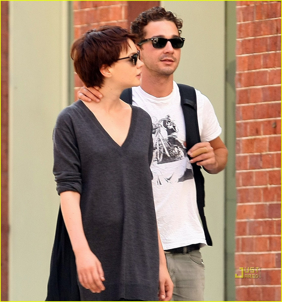 shia labeouf carey mulligan holding hands 02