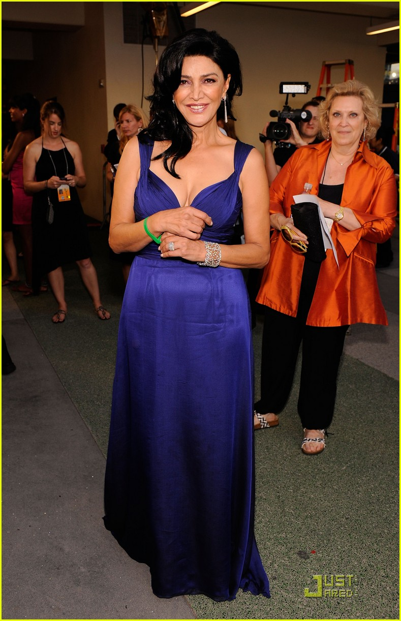 shohreh aghdashloo emmy awards 2009 01