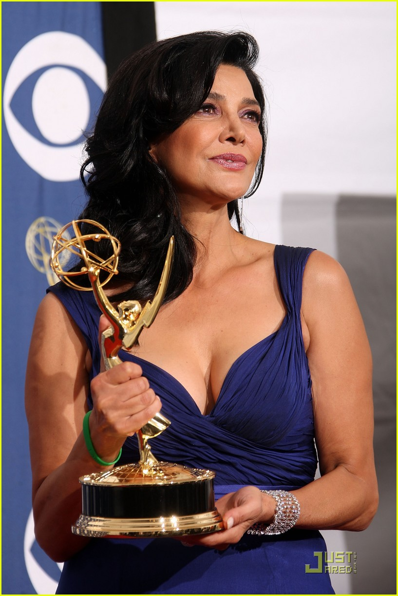 shohreh aghdashloo emmy awards 2009 02