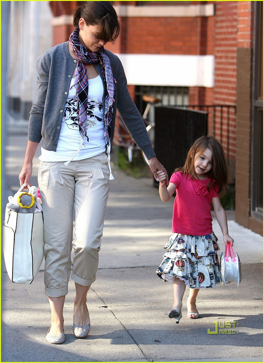 suri cruise high heels 16