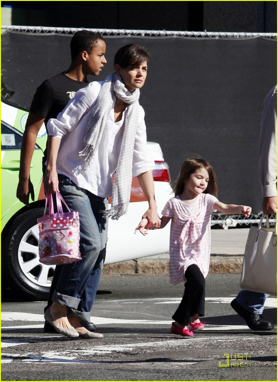 suri cruise hello kitty 07