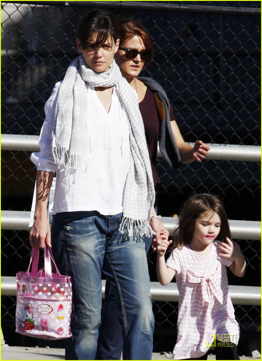suri cruise hello kitty 09