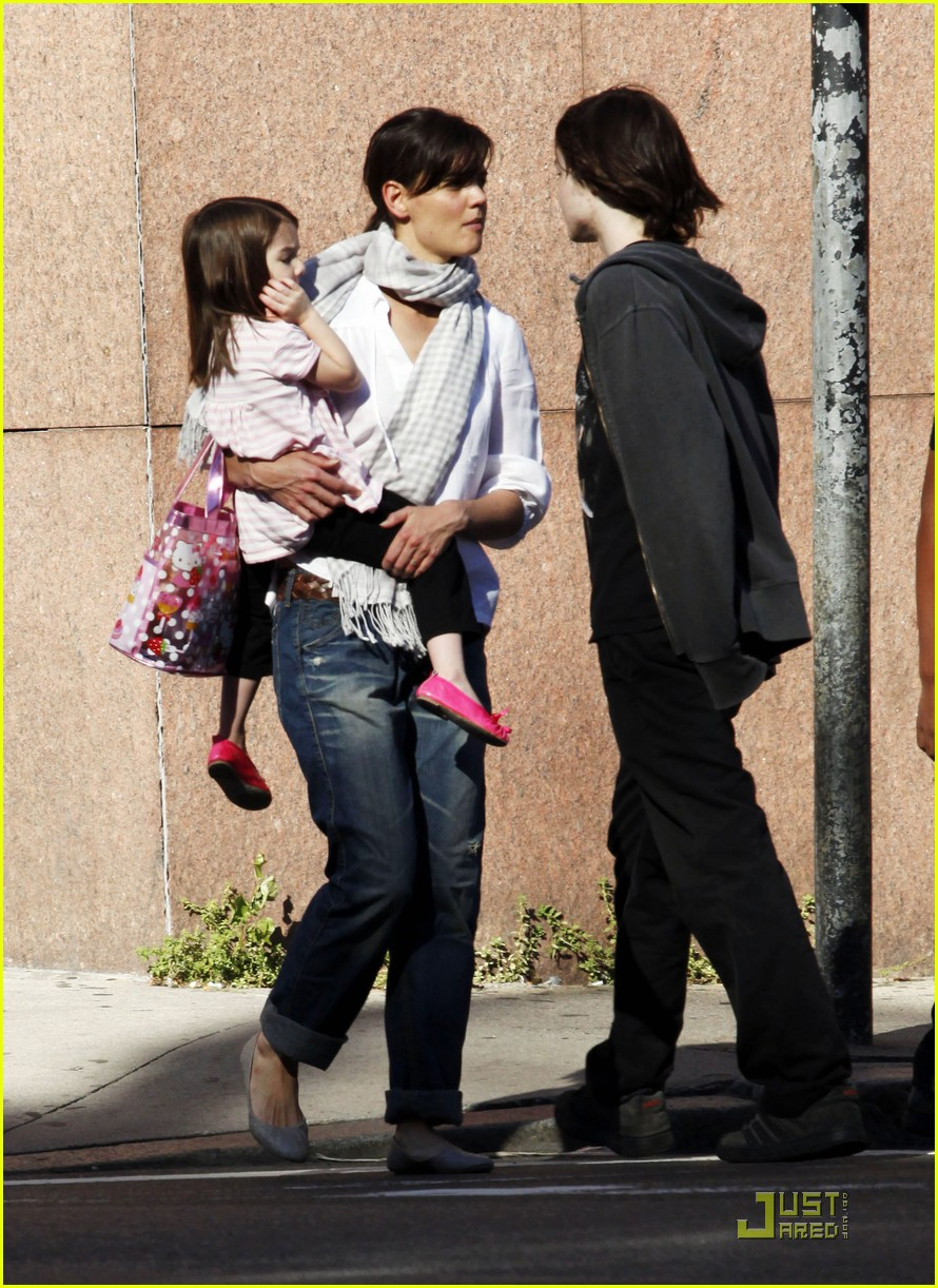 suri cruise hello kitty 14