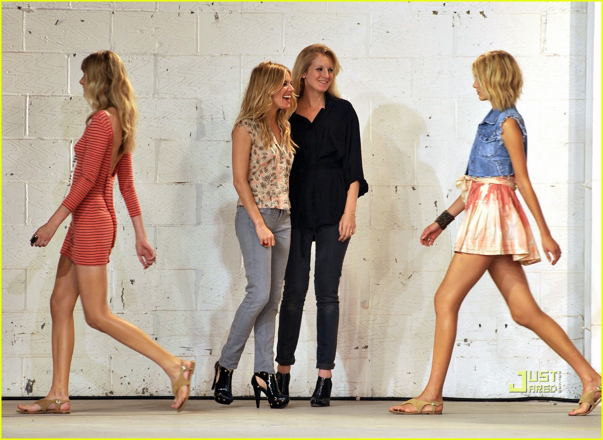 sienna miller twenty8twelve london fashion week 06