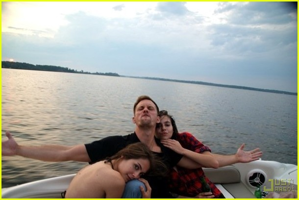 alexander skarsgard willa holland straw dogs 032187651