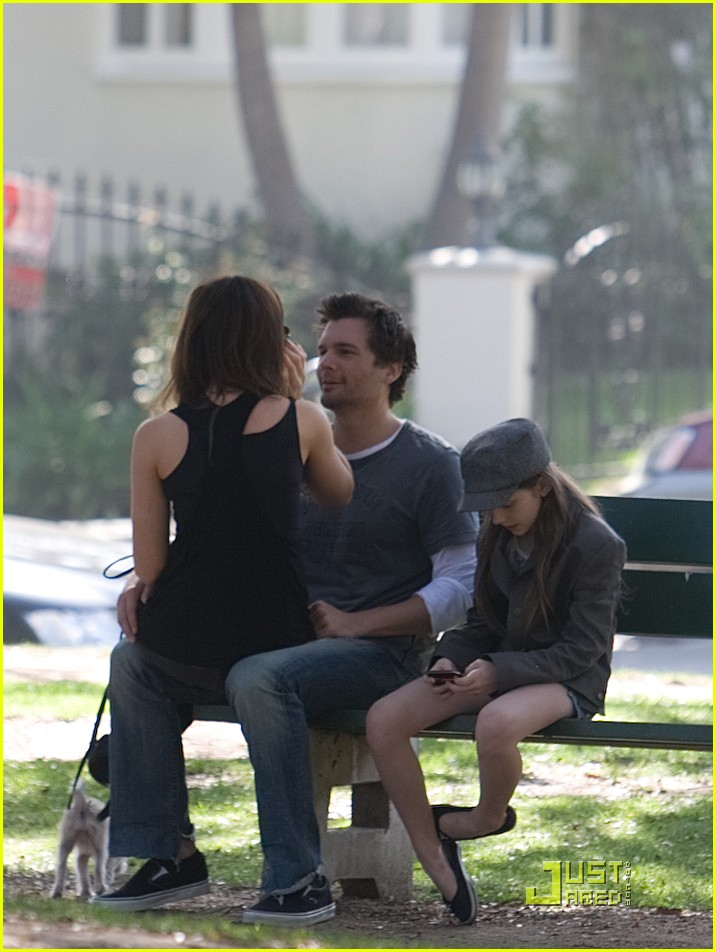 kate beckinsale and her family walk the dog 102313061