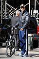 gerard butler soho biking 04