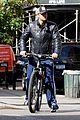 gerard butler soho biking 08