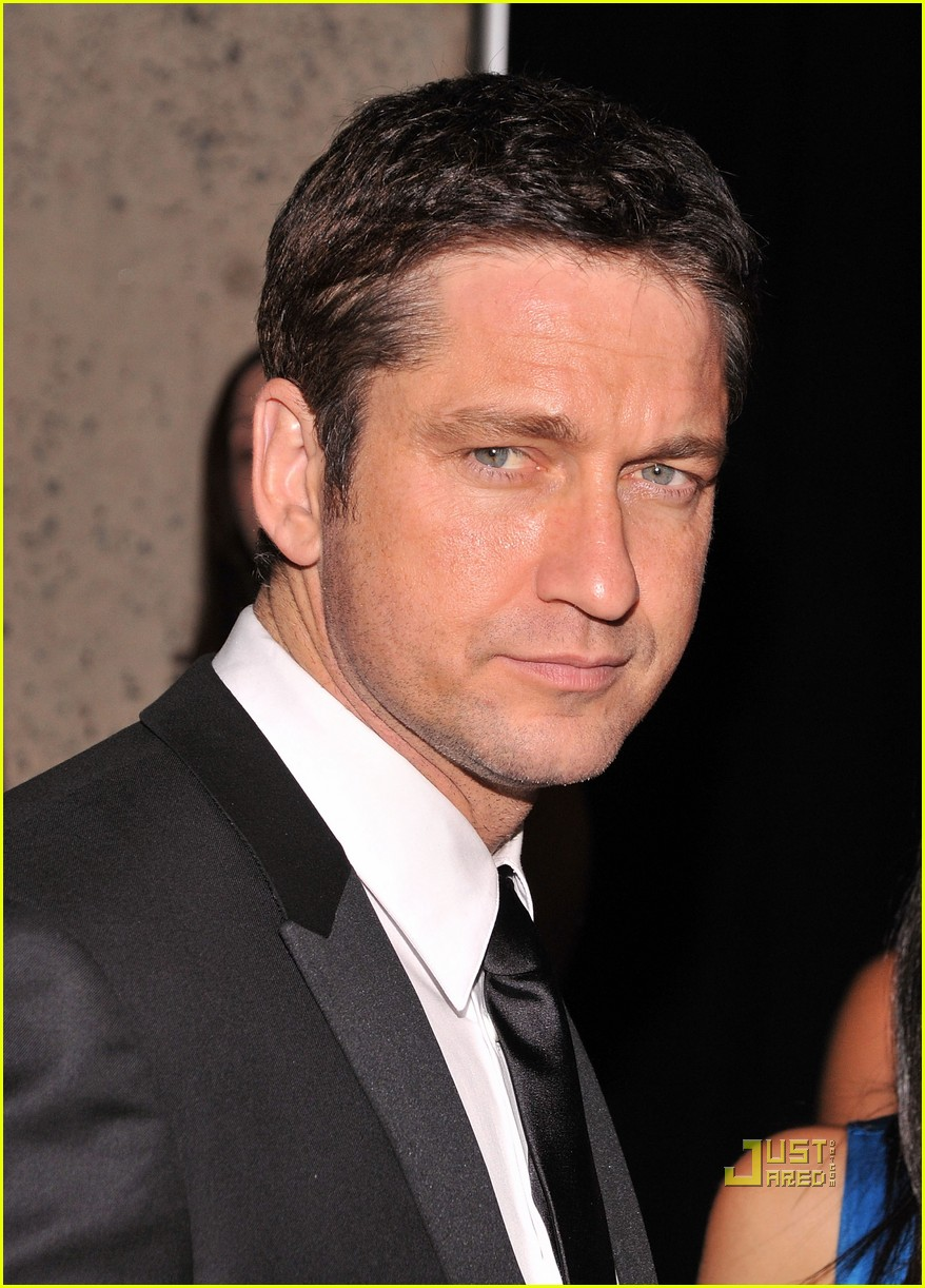 gerard butler whitney studio party 03