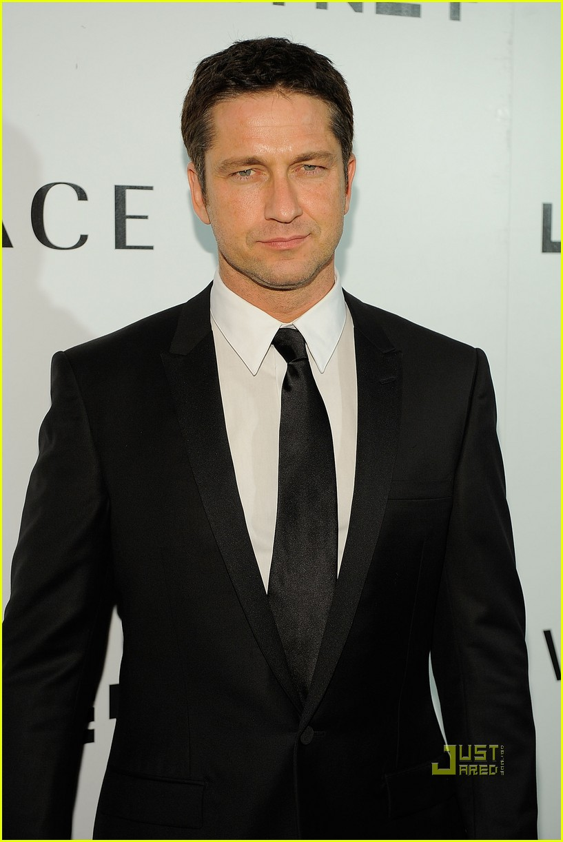 gerard butler whitney studio party 06