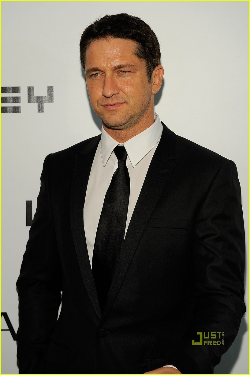 gerard butler whitney studio party 08