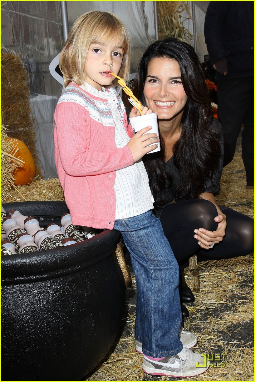 angie harmon celebrates chocolate milk 04
