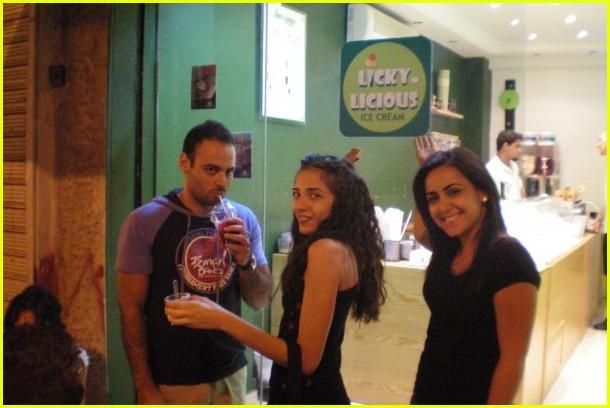 brad pitt angelina jolie twins ice cream shop jordan 05