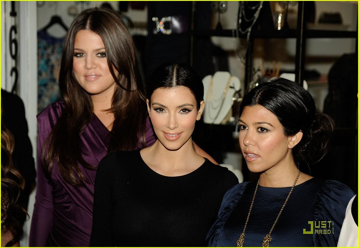 kim kardashian famous cupcakes grand opening 03