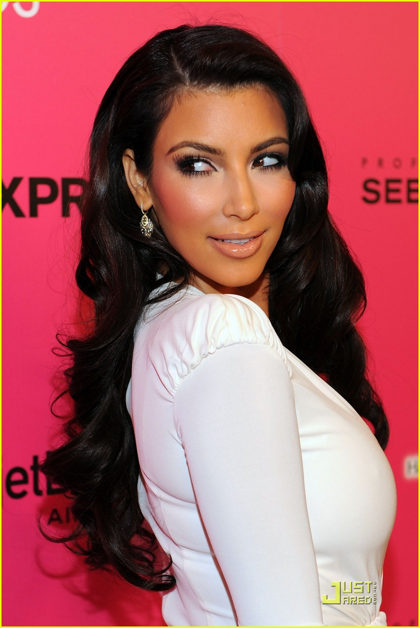 kim kardashian 2009 annual hollywood style awards 03