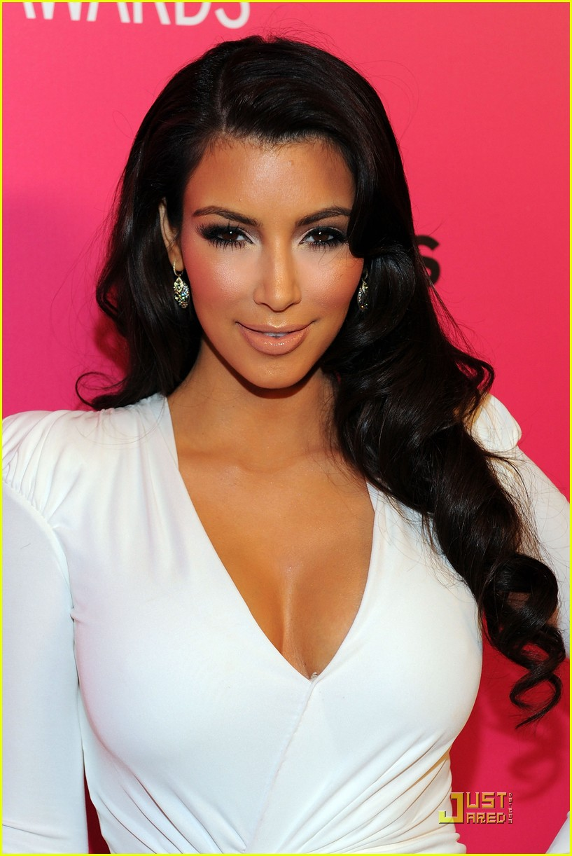 kim kardashian 2009 annual hollywood style awards 05