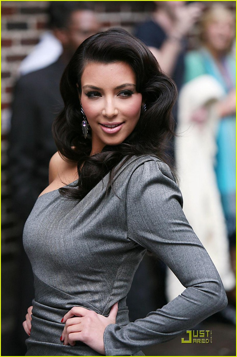 kim kardashian loves the late show 05