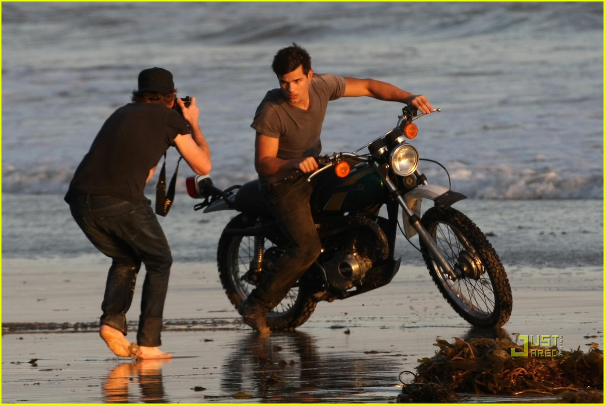 taylor lautner rolling stone photo shoot 09