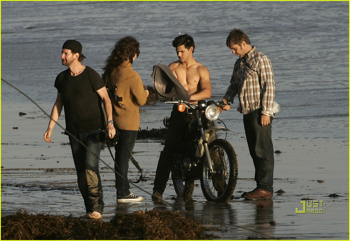 taylor lautner rolling stone photo shoot 25