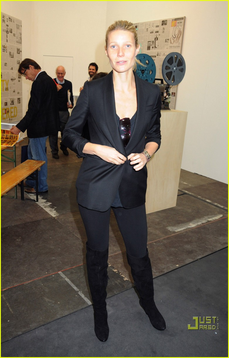 gwyneth paltrow frieze art fair 03