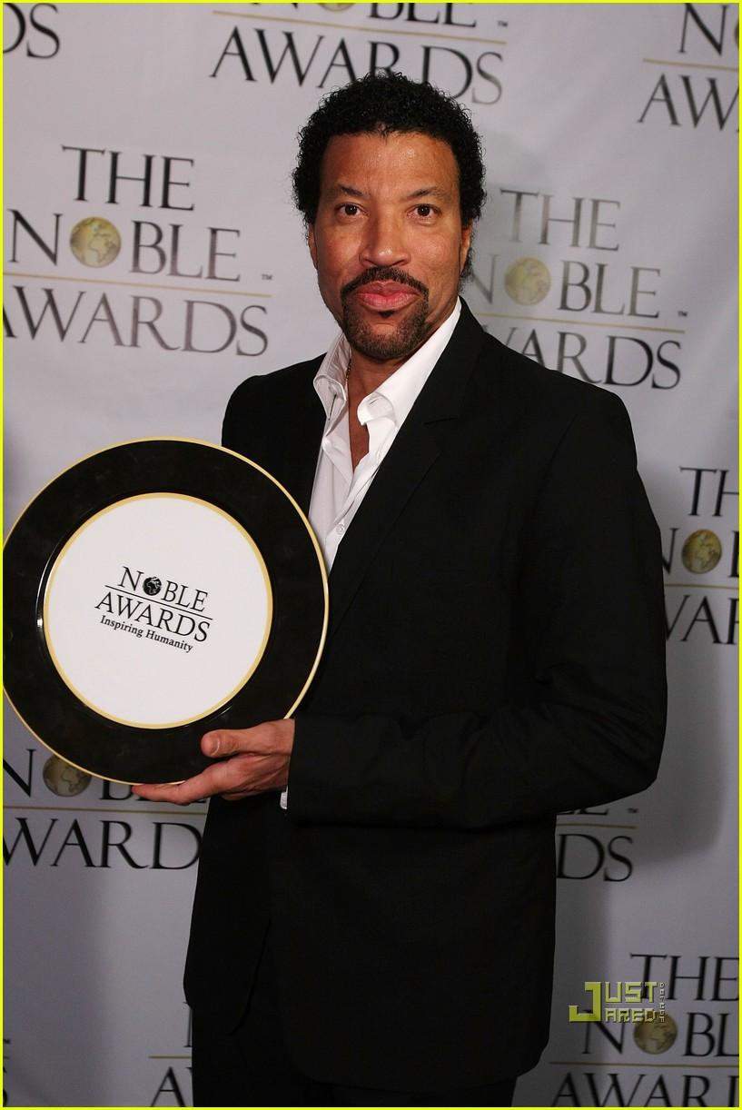 nicole richie noble humanitarian awards 04