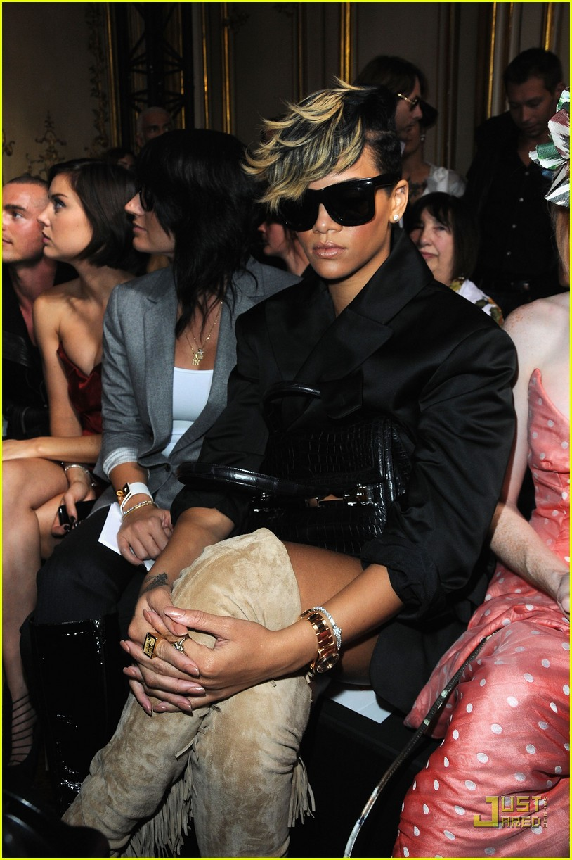 rihanna vivienne westwood paris fashion week 012259801