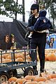 kingston zuma rossdale pick pumpkins 07
