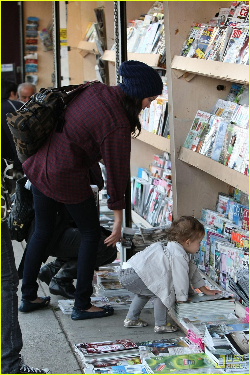 jessica alba honor warren newsstand 03