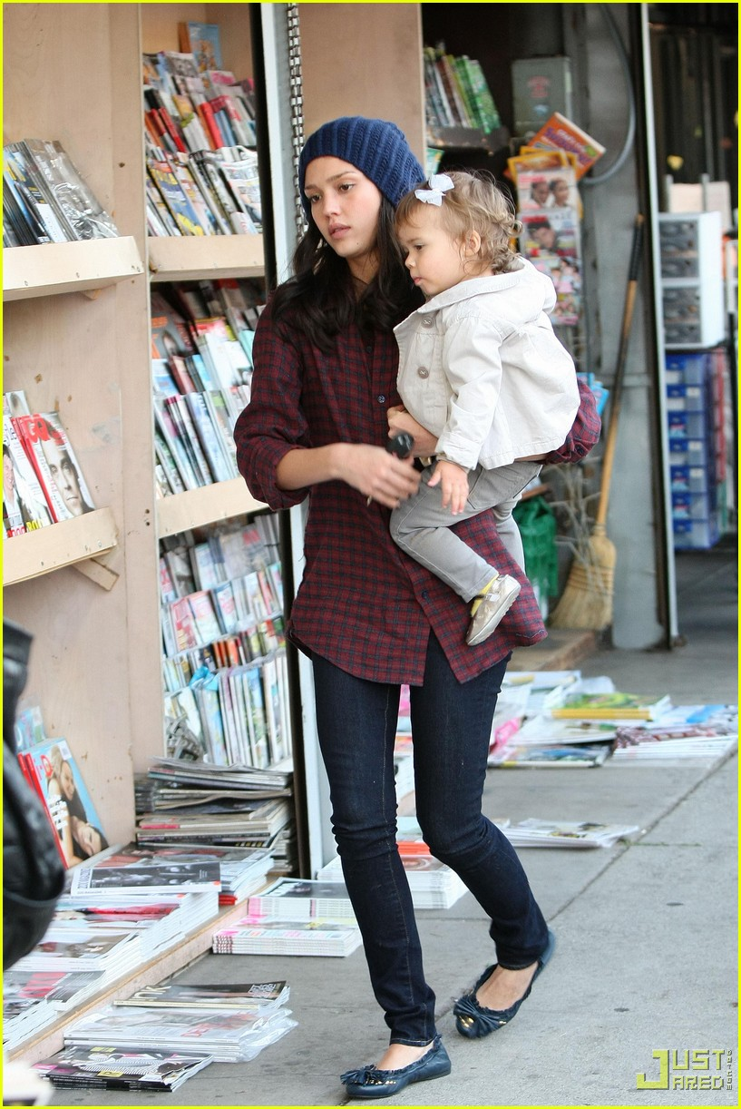 jessica alba honor warren newsstand 10