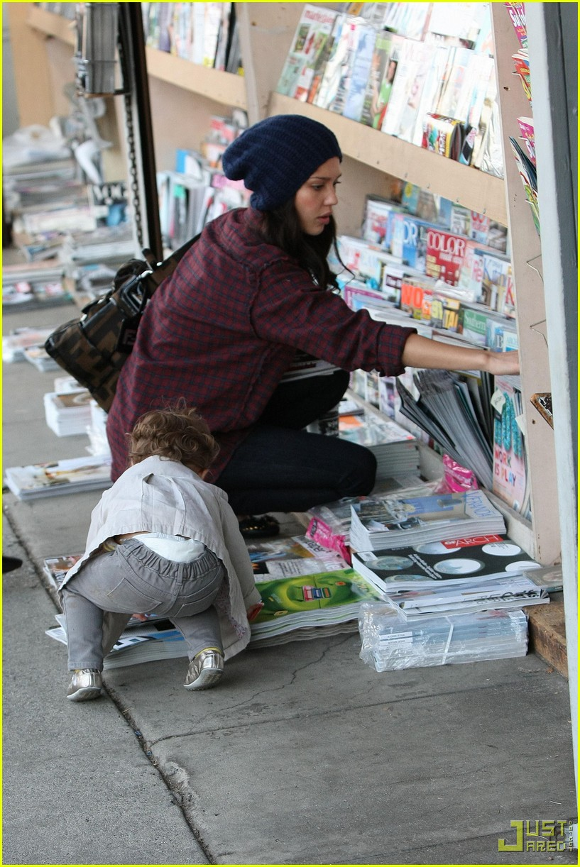 jessica alba honor warren newsstand 13