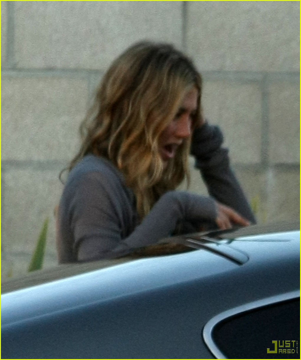 jennifer aniston home from cabo 072366771