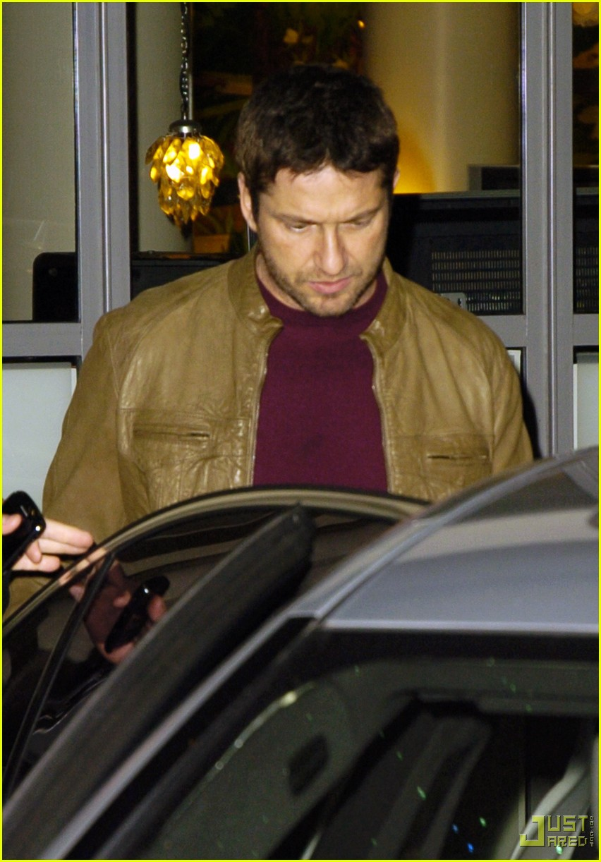 gerard butler leaving london hotel 042353992