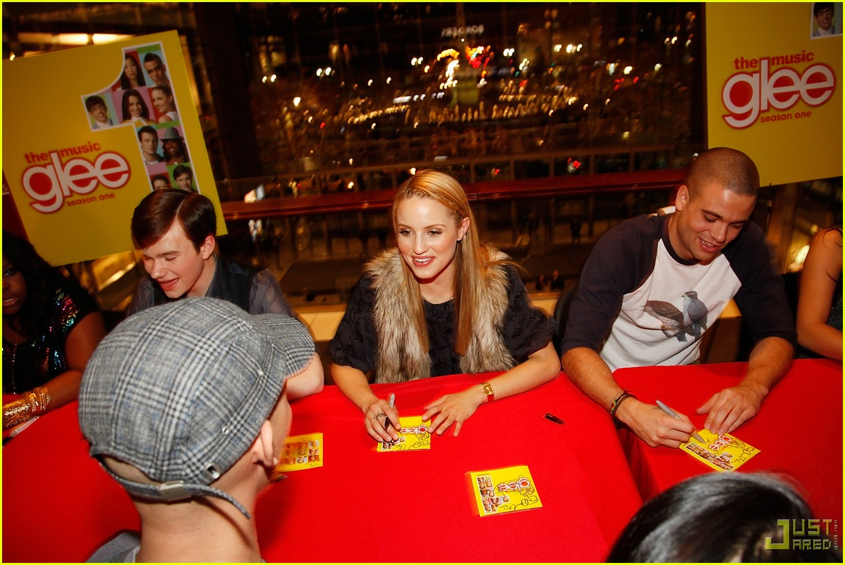 glee cast autograph signings 17