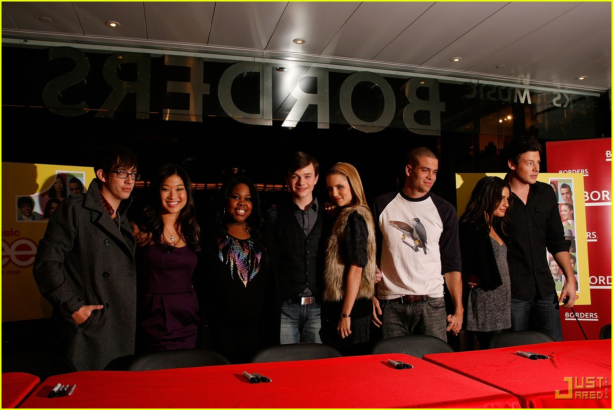 glee cast autograph signings 24