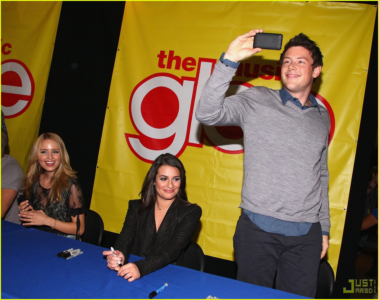 glee cast autograph signings 44