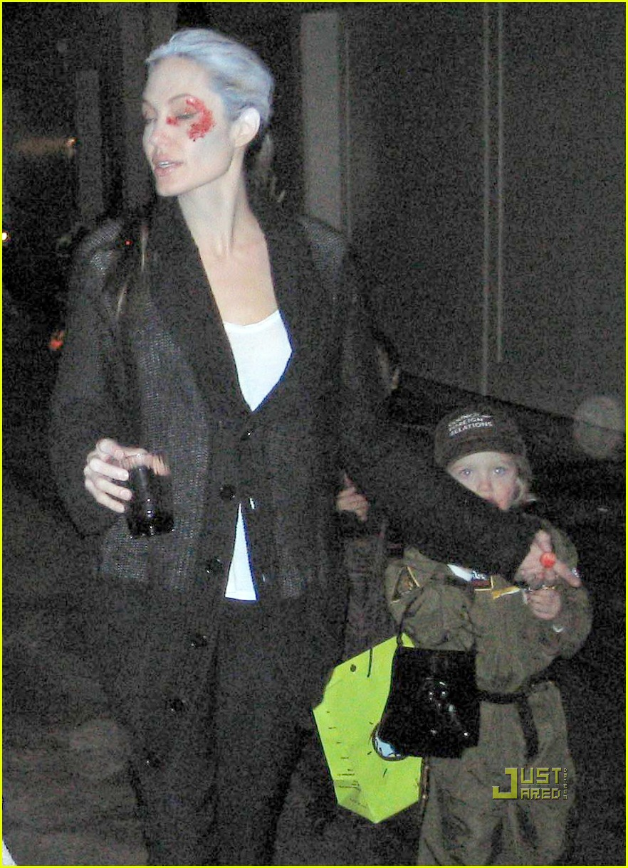angelina jolie trick of treating 04