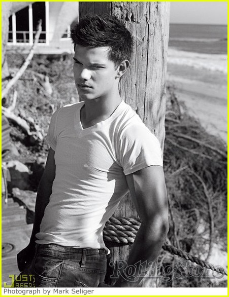 taylor lautner rolling stone abs 012379502