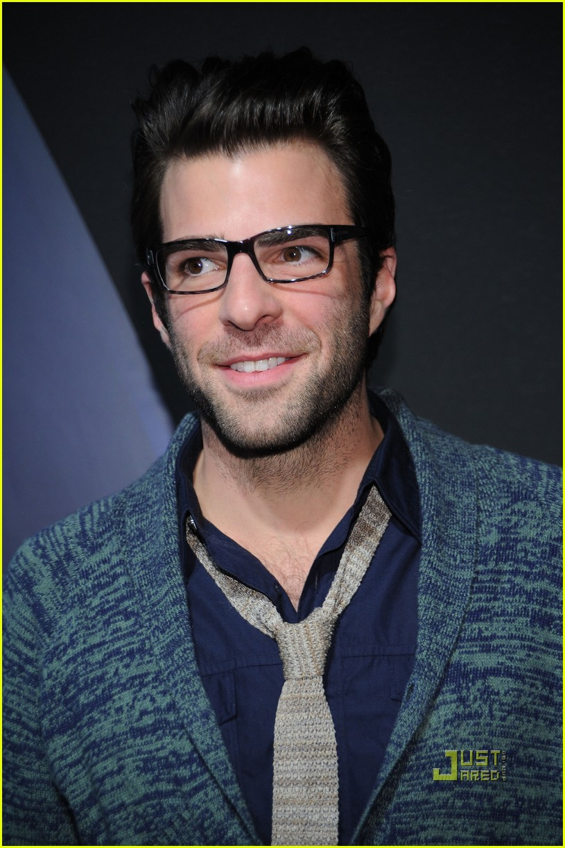 zachary quinto zoe saldana star trek dvd release party 16