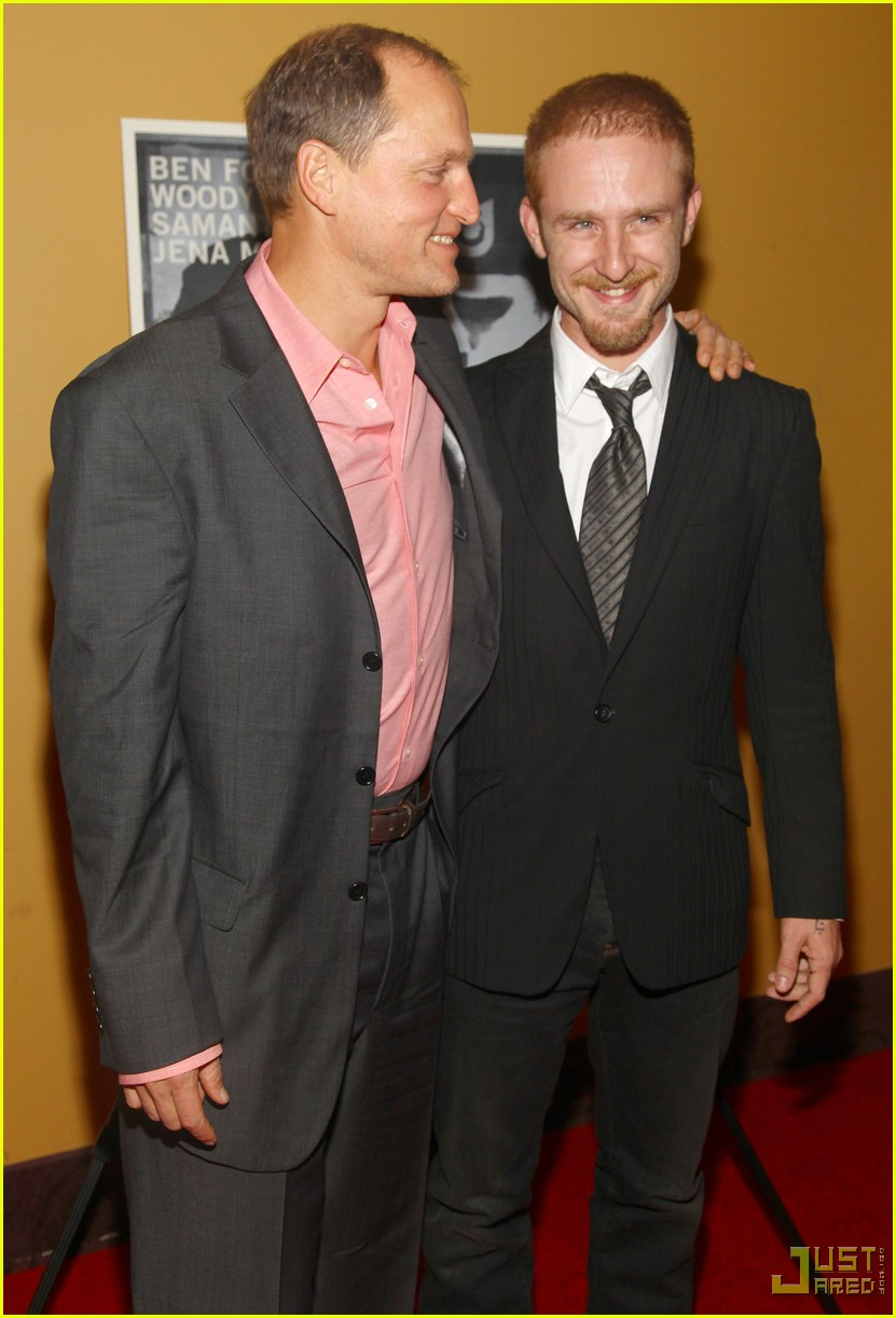 ben foster woody harrelson kiss 10