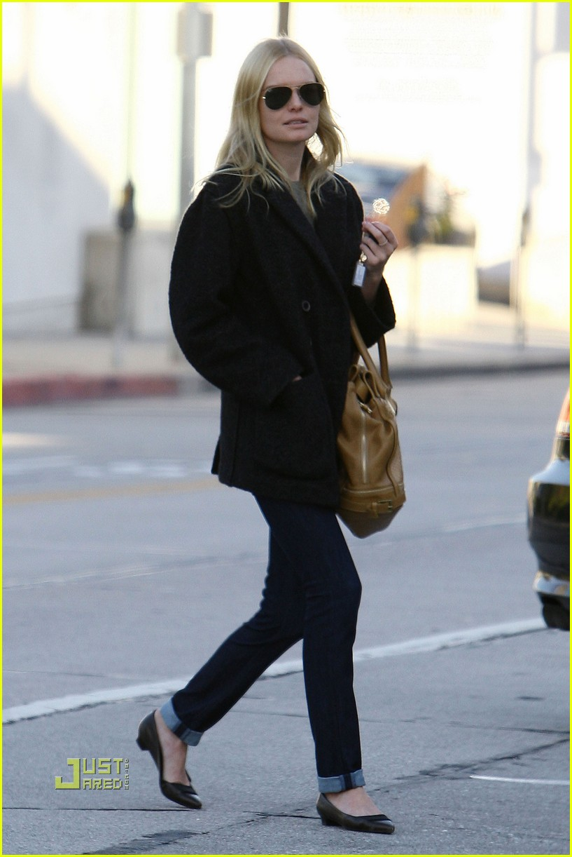 kate bosworth holiday shopping 01