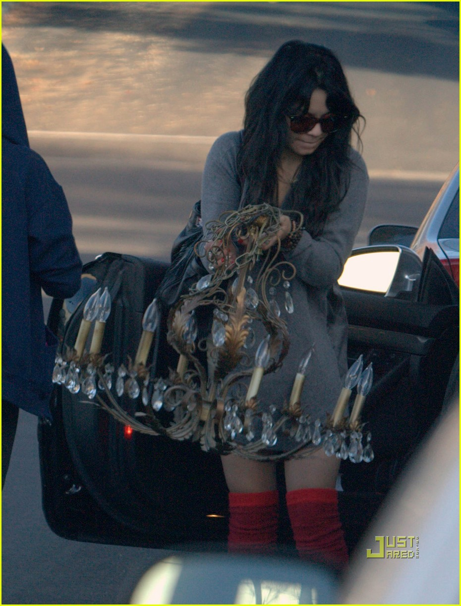 vanessa hudgens christmas eve wrapping paper 23