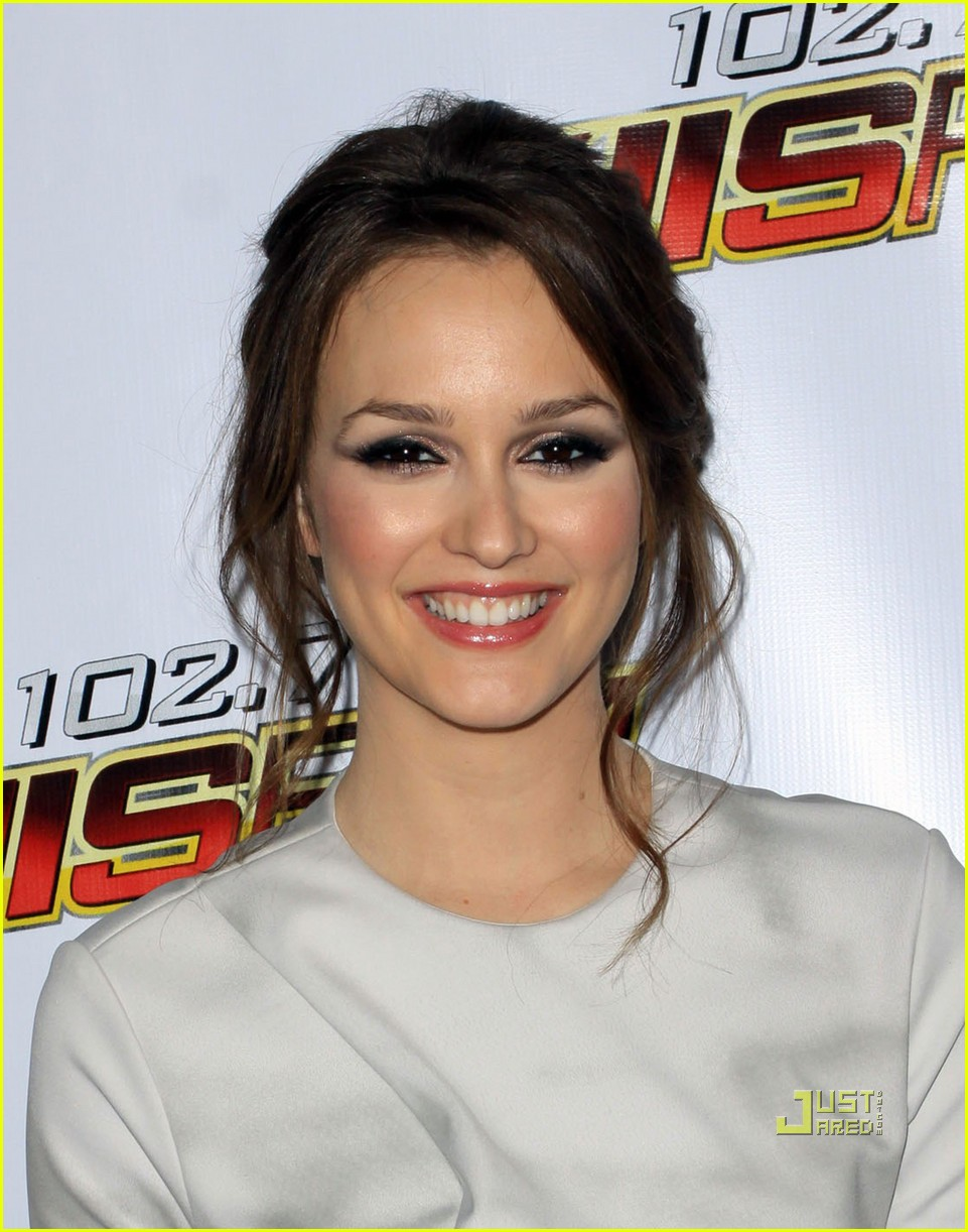 leighton meester jingle ball 052400106