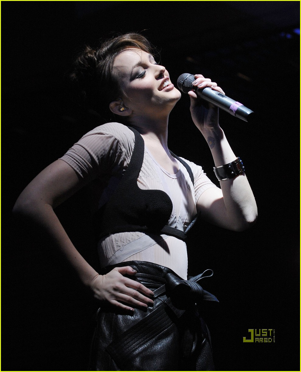 leighton meester jingle ball 11