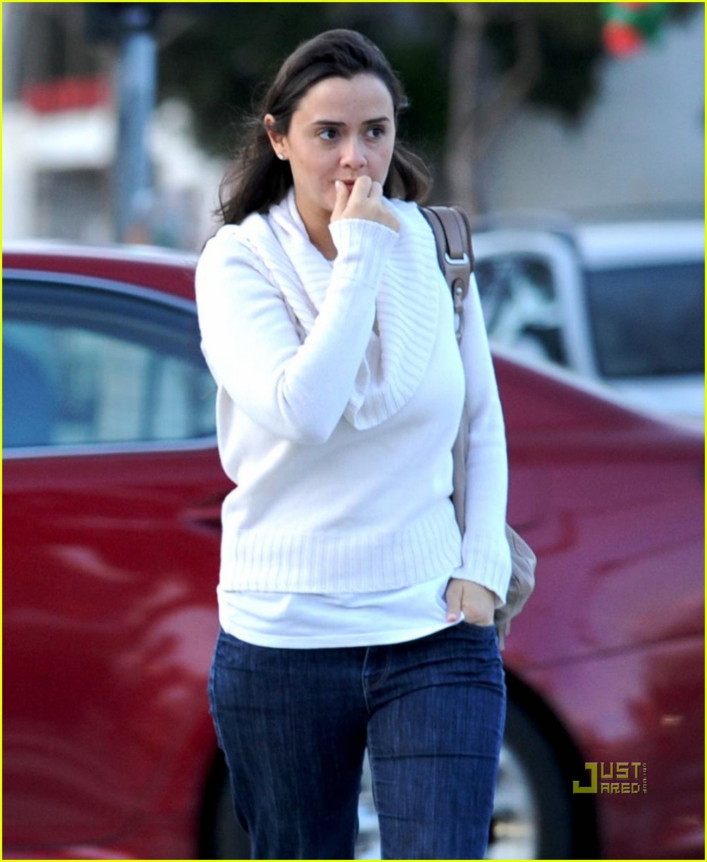 isabella brewster milo ventimiglia girlfriend 03