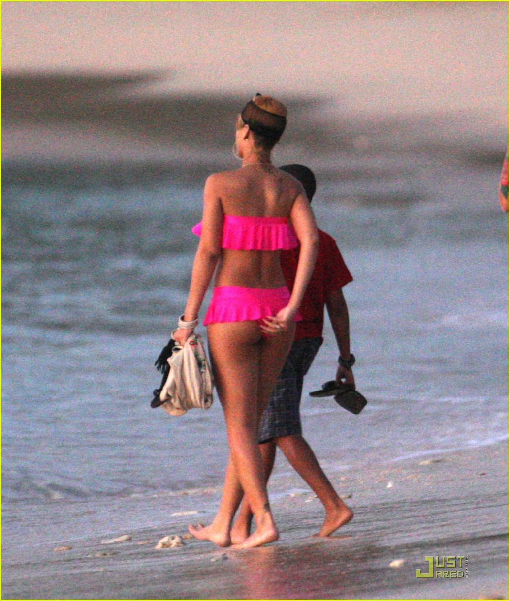 rihanna ruffled pink bikini barbados 13