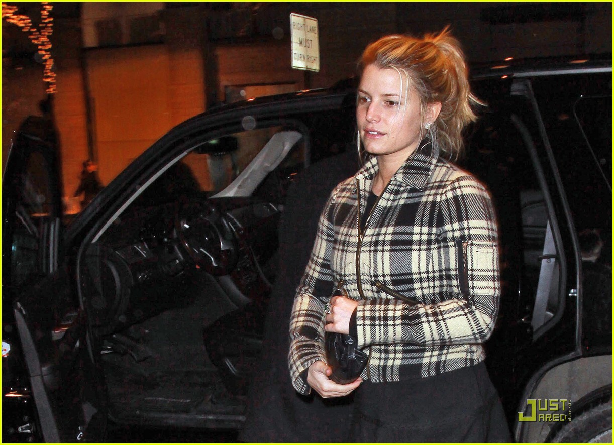 jessica simpson is pretty in plaid 06