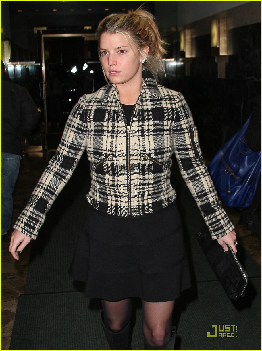 jessica simpson is pretty in plaid 142403705