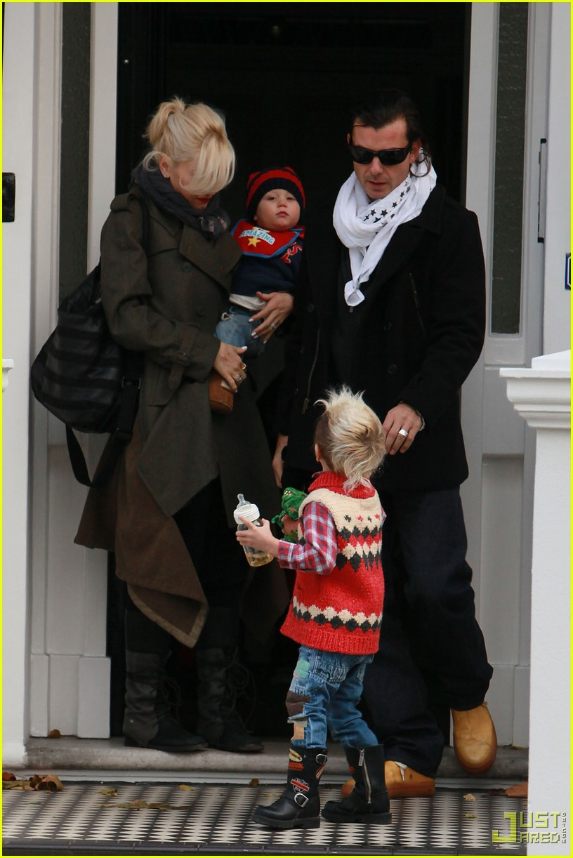 gwen stefani gavin rossdale kingston zuma furniture shopping chelsea 032402643