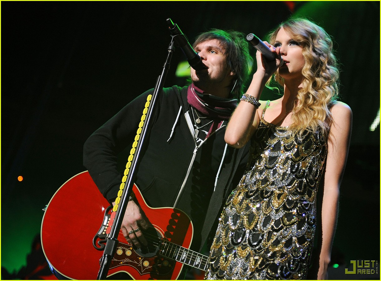 taylor swift boys like girls 2009 jingle ball 012401488